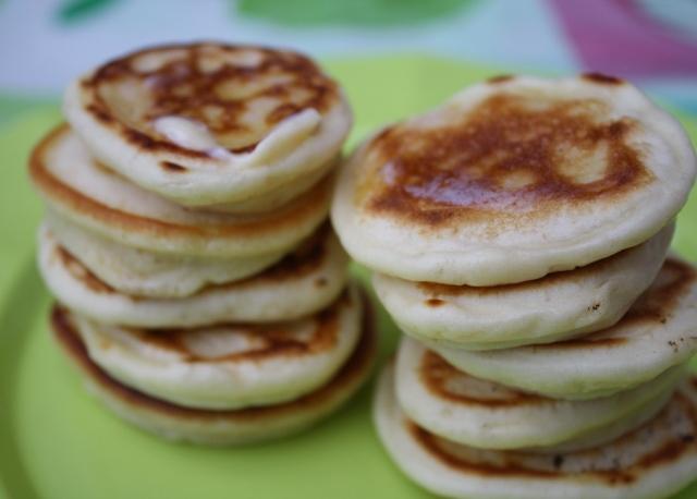 Pancake eaters 009