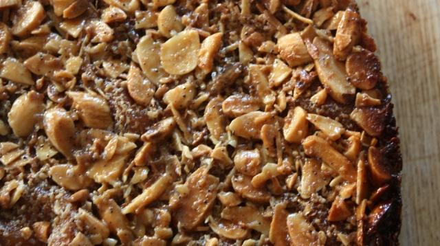 Caramel and almond cake 2