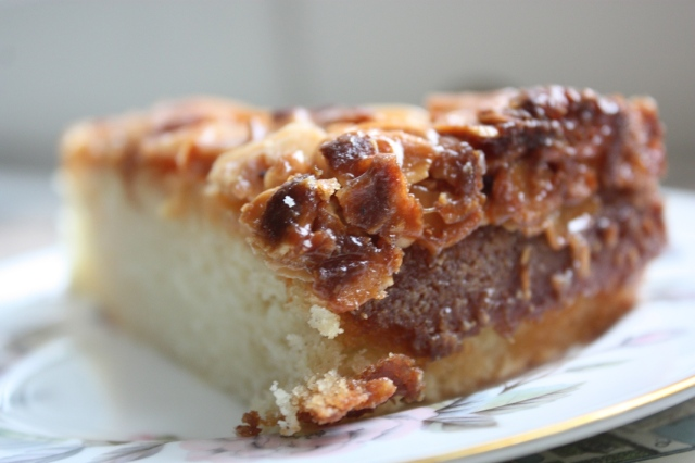 Caramel and almond cake 6